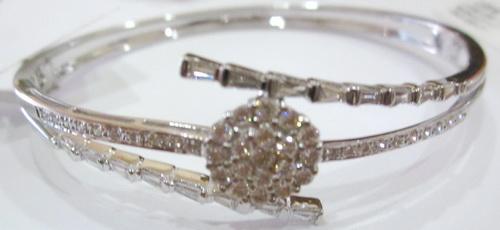 Gelang Berlian Emas Putih